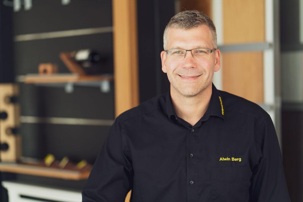 Alwin Berg, Inhaber der Deezbüller Holzwerkstatt